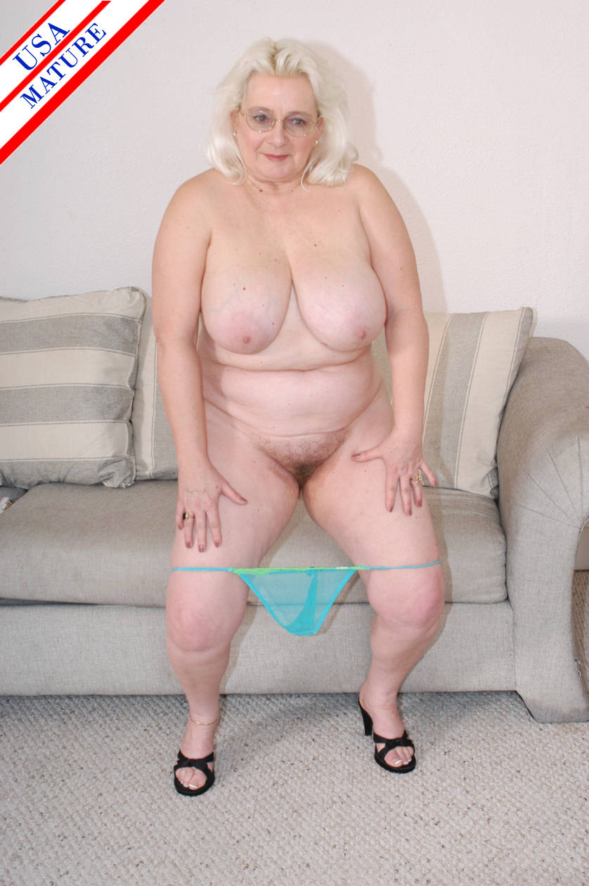 Sewing granny takes her customer039s cock 5