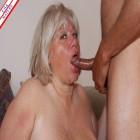 Chunky mature slut sucking and playing