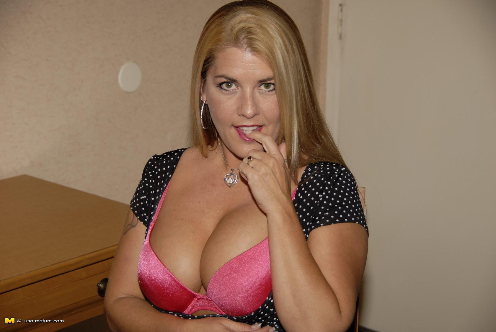 Gianna micheals femdom tube