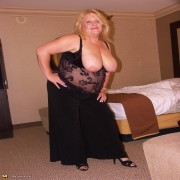 Big titted housewife gets her fill