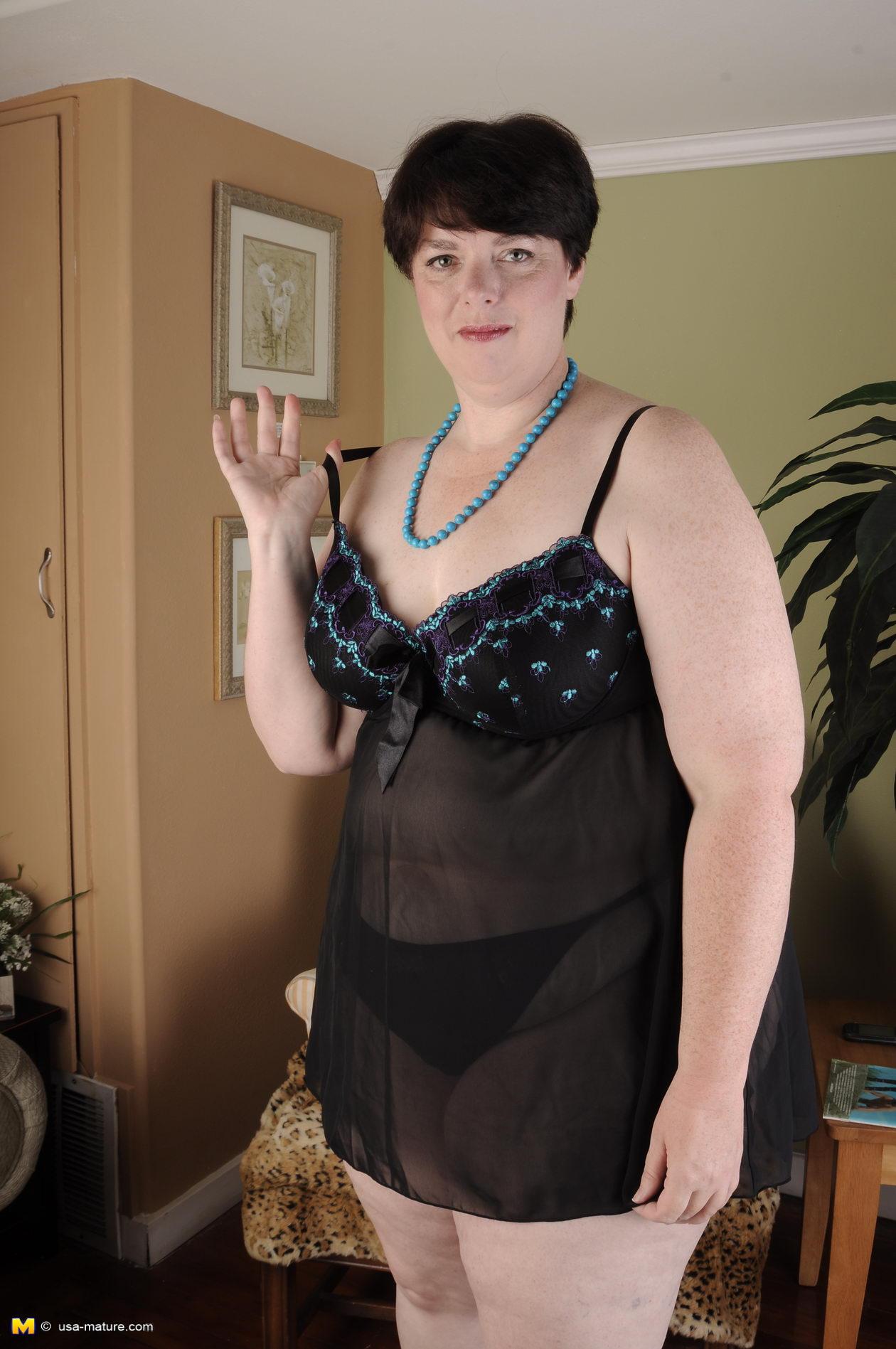 Толстые очень жирные женщины в нижнем белье 19 фотография