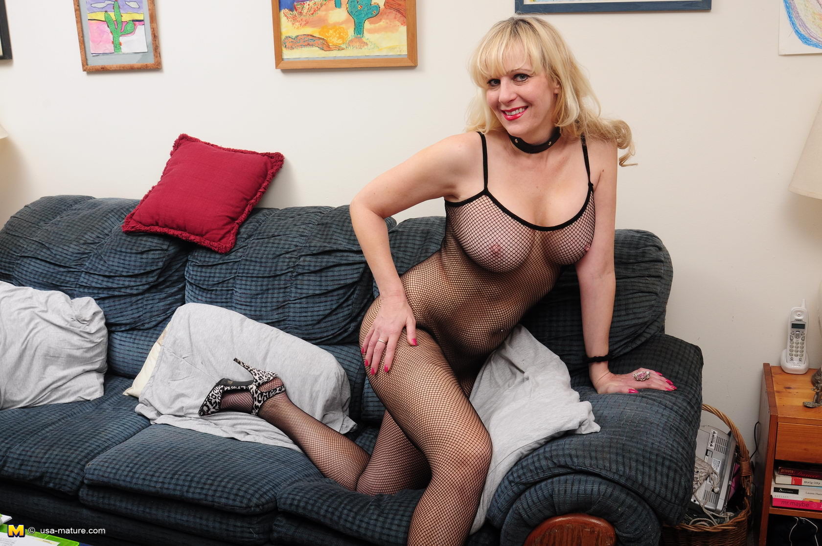 Blonde milf gets a bbc 5
