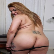 Big breasted American housewife playing with herself