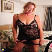 naughty American housewife playing in her hotleroom with her pussy