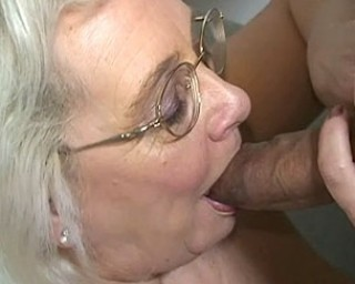 This older slut loves to knibble and suck cock