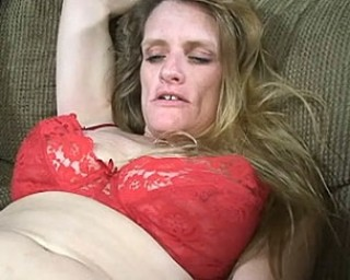 She just craves a hard big black cock in her older mouth