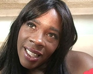 This dark mature beauty loves to munch on white manmeat