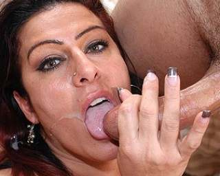 Hot MILF squirting and eating cum