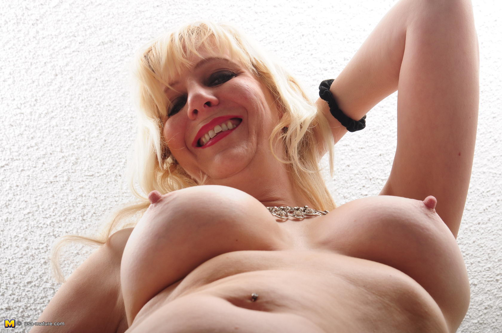 mature porno v deo usa