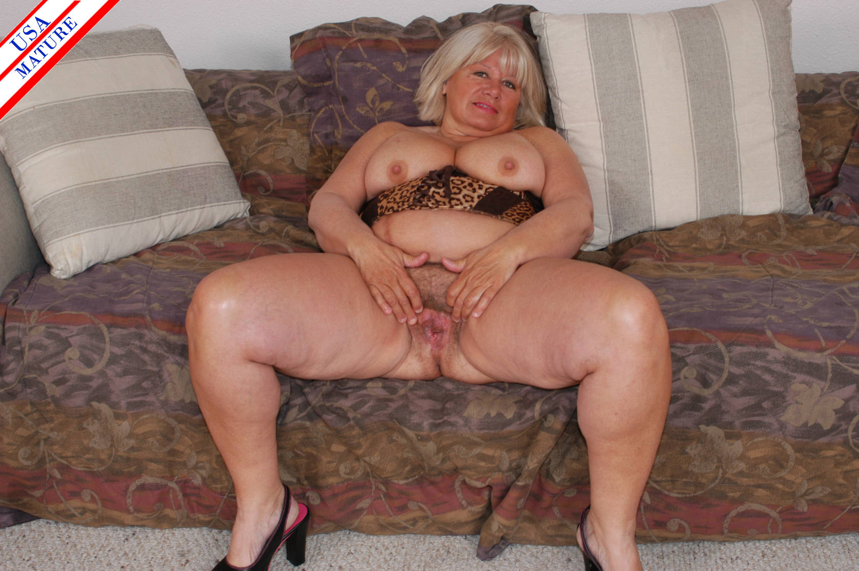 Фото пизды жирных баб раком 17 фотография