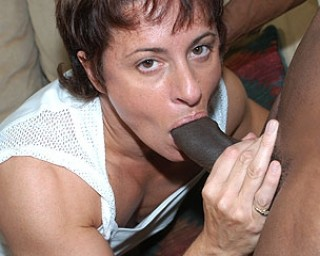 Omaseks Mature female bodybuilder enjoying a black cock