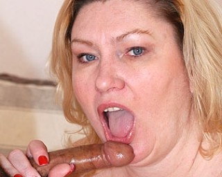 Chunky mature housewife sucking a hard cock