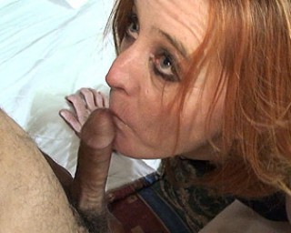 Kinky mature slut getting a mouth full of cum
