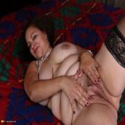 Big American mama playing with herself